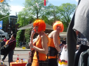 Dressing Up for Queen's Day www.adventuresinexpatland.com