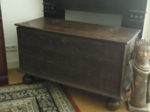 mid-18th century Dutch blanket chest at Adventures in Expat Land
