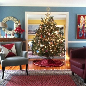 serenity of a beautifully decorated Christmas tree on www.adventuresinexpatland.com